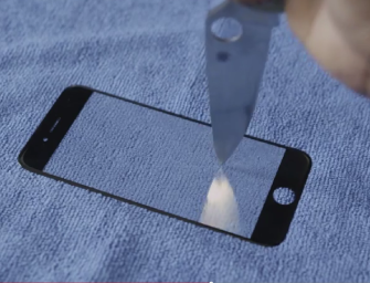 Ecranul iPhone 6 din safir nu poate fi zgâriat – Video!